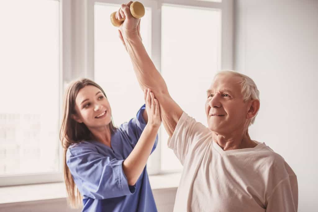 beneficios de la fisioterapia para adultos mayores