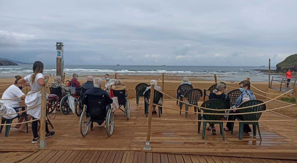playas con servicio de baño asistido