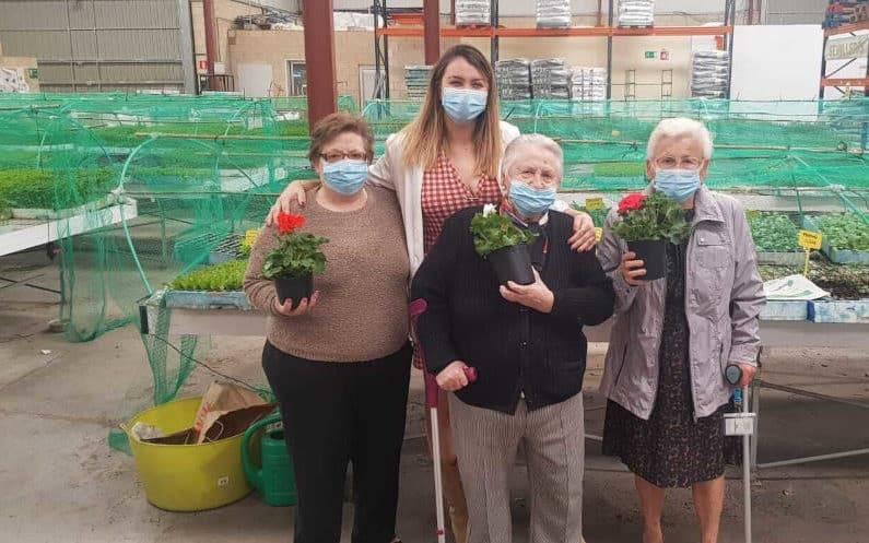 la jardinería para personas mayores